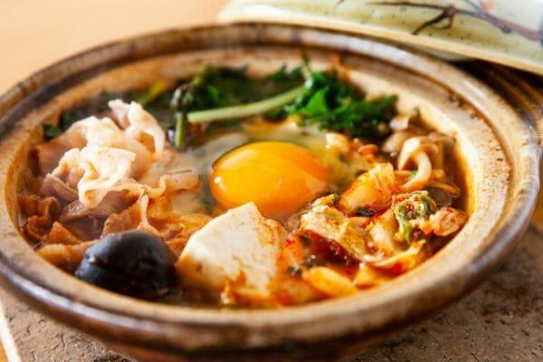 冬に食べたくなるキムチ鍋のイメージ