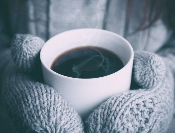 血糖値を上げる原因であるアドレナリンを分泌させるコーヒーのイメージ