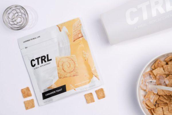 タンパク質をとるためにコンビニで買えるプロテインのイメージ