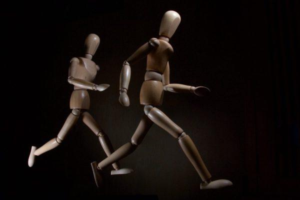 自律神経がコントロールして体を動かしているという画像